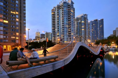 Réaménagement du secteur riverain - Toronto, Ontario : https://www.toronto.ca/