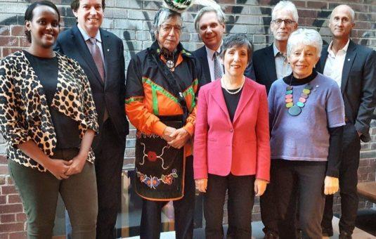 La capitale du Canada et vous: la conversation s'est poursuivie à Toronto et Victoria