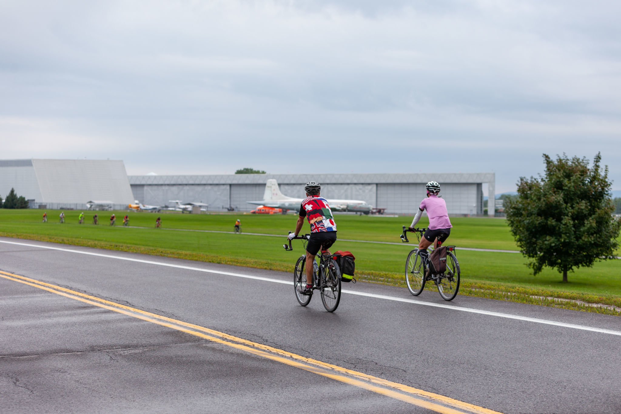 People biking on the car-free Sir George-Étienne Cartier Parkway during Bikedays.