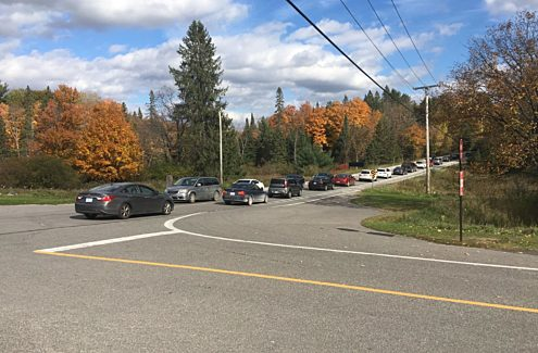 Traffic jam at the intersection of the Gatineau Parkway and Chemin du Lac-Meech.