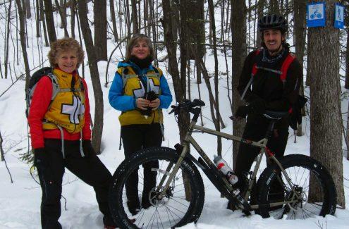 Patrouille à vélo en hiver