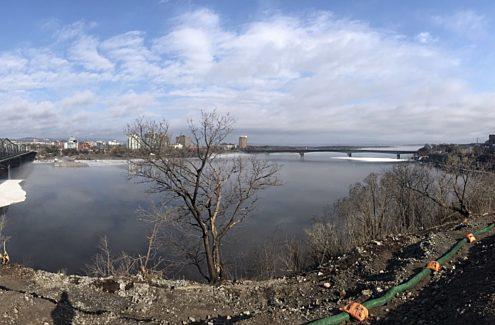 Vue de la rivière à partir de la pointe Nepean, en cours de réaménagement