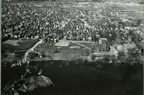 Vue aérienne du parc Jacques-Cartier, Hull, Québec. Crédit : Bibliothèque et Archives Canada / Fonds de la Commission de la capitale nationale / e999914948