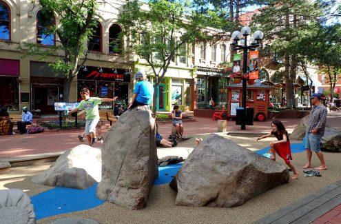 Galerie Pearl Street Mall - Boulder, Colorado : https://www.obligatorytraveler.com/