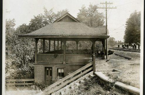 Station de tramway (ou gare ferroviaire?) Rockcliffe. Date inconnue. Source : Bibliothèque et Archives Canada (e999908986-u)