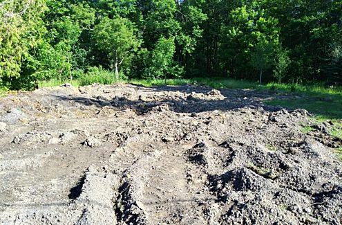 Site 2 (avant) : Sol dénudé, sans végétation.