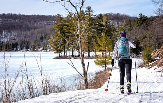 Petit guide pour profiter de l'hiver sur les sentiers du parc de la Gatineau
