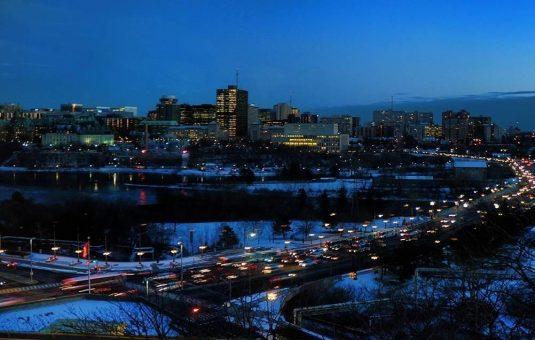 L'identité de la capitale de notre pays la nuit