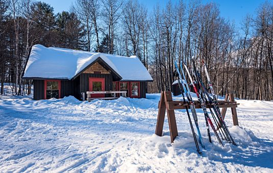 Winter accommodation in Gatineau Park