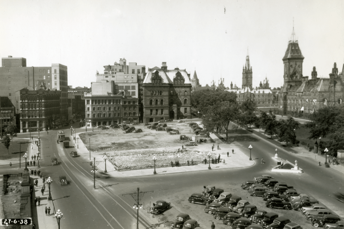 Photo: Library and Archives Canada / National Capital Commission fonds / e999911922